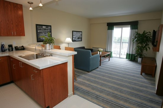 Sebring, FL: Large Suite