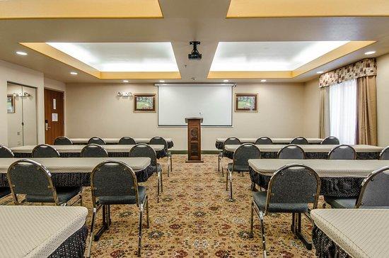 Sleep Inn and Suites: Ar Meeting
