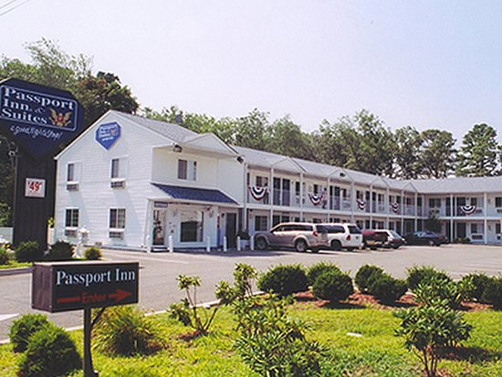 Passport Inn & Suites: PNJASExterior