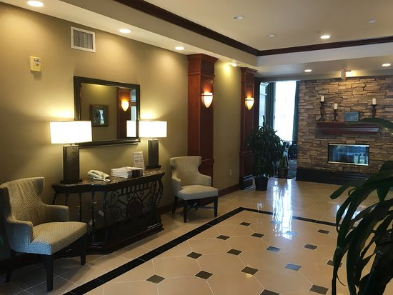 Staybridge Suites Irvine Spectrum/Lake Forest: Hotel Lobby