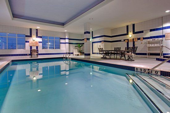 Holiday Inn Express & Suites Milton: Make a splash in our heated indoor swimming pool