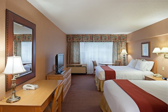 Holiday Inn Express & Suites - Saint John : Enjoy Free WiFi and Breakfast In Our Beautiful 2 Queen Bed Rooms