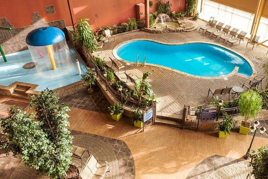 엠바사더 호텔