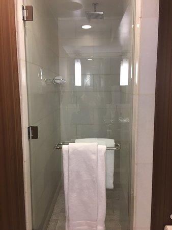 Hutton Hotel: photo1.jpg