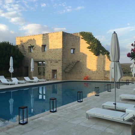 Castillon-du-Gard Photo