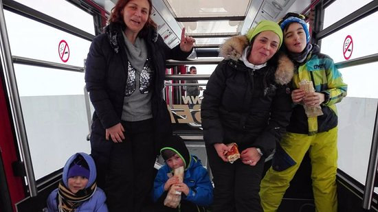 Parsenn Skigebiet: ski train up to the top