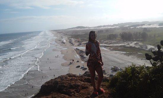 Praia da Itapeva: facil acesso para subir na pedra e tirar fotos