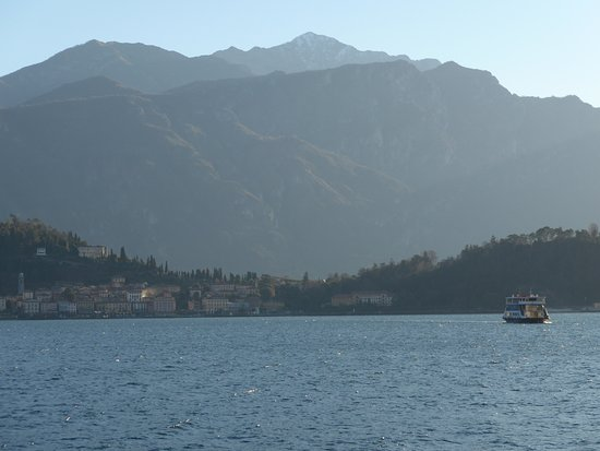 Lenno, Italy: The ferry from Bellagio