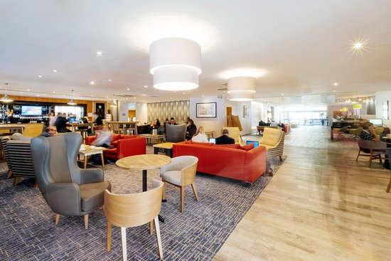 Holiday Inn - Coventry M6, Junction 2: Open Lobby Dining