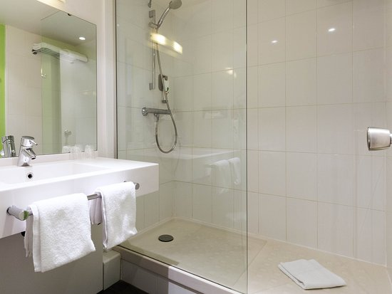 Ibis Styles Angouleme Nord : Guest Room