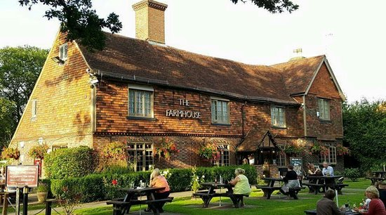 Horley, UK: The Farmhouse Pub