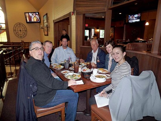 Avila's Ranchito: Our little group of happy diners, wolfing down our meals.