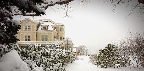 The Chanler at Cliff Walk: Snowfall at The Chanler