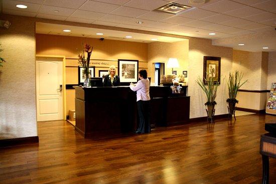 Wesley Chapel, FL: Front Desk