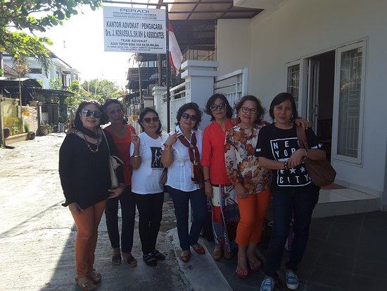 Balitrip Tour Travel Tante Olga Tampubolon Friends