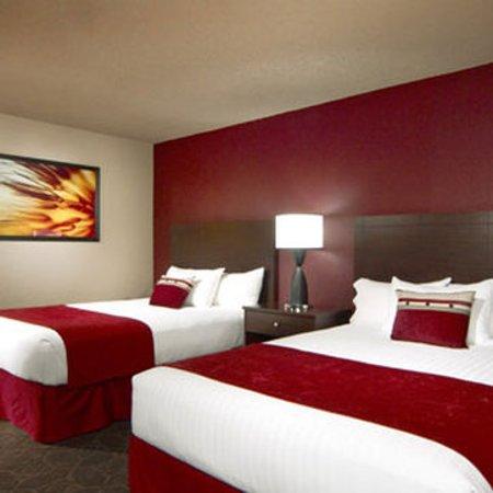 Edgewater Hotel & Casino: Guest Room
