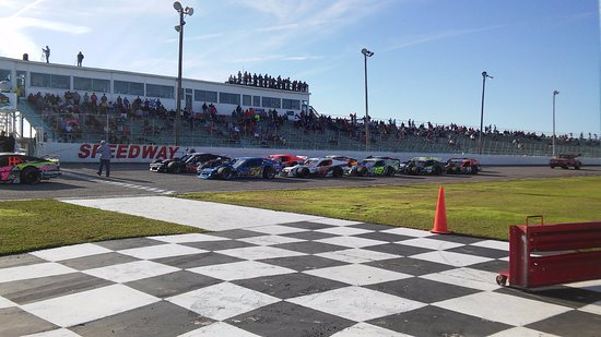 Myrtle Beach Speedway: Myrtle Beach 400 Modifieds!