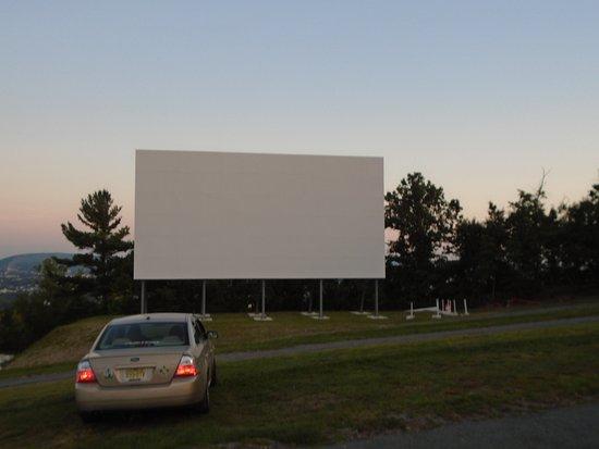 Dickson City, PA: 1st Screen