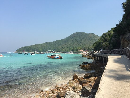 1484907630338_large.jpg - Picture of Koh Lan (Coral Island), Pattaya - TripAd...