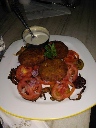 Savage Garden: Falafel with no hummus,also the abergene was very spicy .