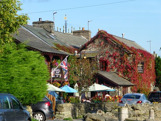 Ings, UK: Watermill Inn - great for meals and only few minutes away.