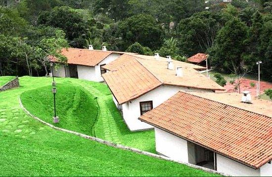 Hotel Fazenda Folhas Verdes: Quartos com vista do alto da colina