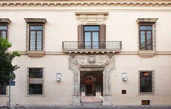Hotel Palacio de Villapanes: Main Entrance