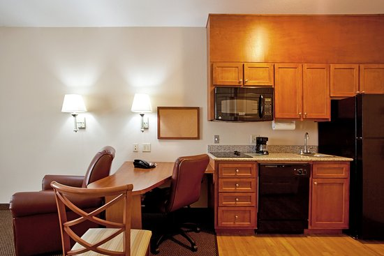 Denham Springs, LA: Suite