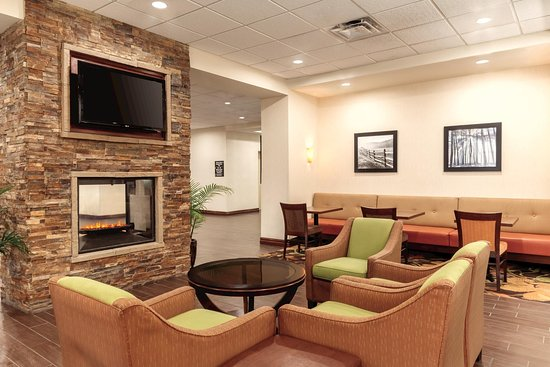 Hampton Inn by Hilton Edmonton/South: Lobby