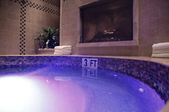 Greensboro, GA: Hot tub in the women only area of the spa