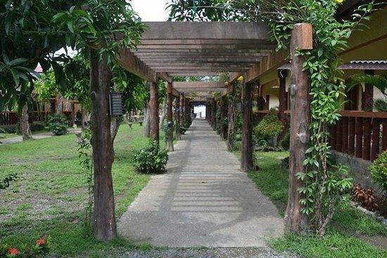 Bali Beach Garden Resort and SPA Mindoro : Cabana patio