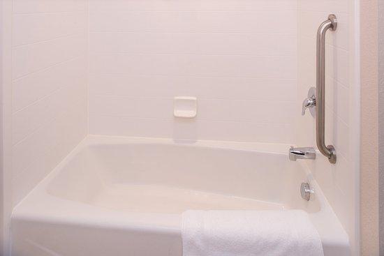 มอนโร, นอร์ทแคโรไลนา: Regular Bathroom Tub