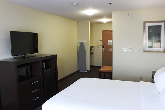 Yorkton, Canada: 1 Bed Hearing Accessible Roll In Shower