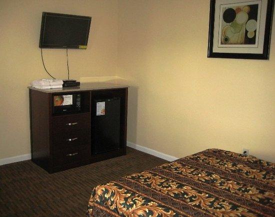 Red Carpet Inn and Suites: RNJWTQueen