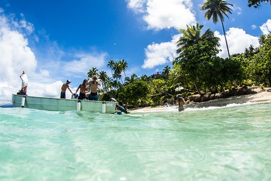 Qamea Island, Fiji: Surf boat and resort