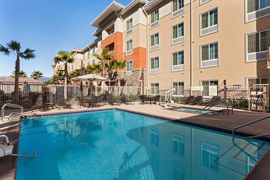 Hampton Inn & Suites San Bernardino