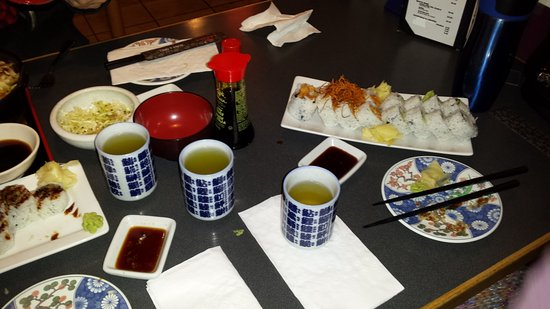 Nagano Sushi: Wifes petite lunch