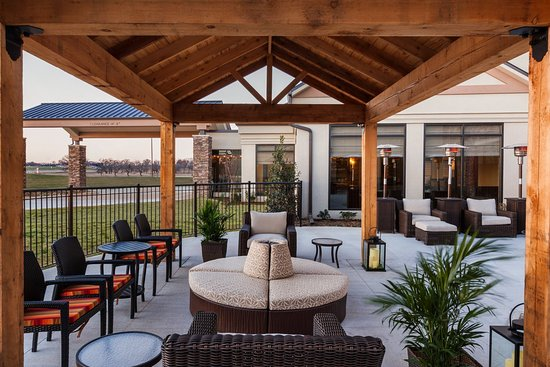 Denison, TX: Outdoor Patio
