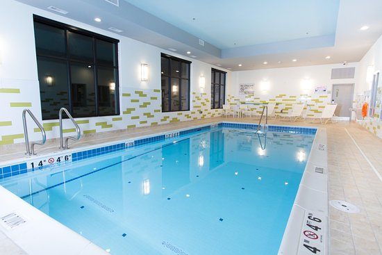 Hampton Inn By Hilton Lloydminster Indoor Pool