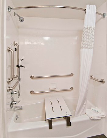 Pauls Valley, OK: Accessible Shower