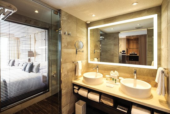 Bimini: Guest Bathroom