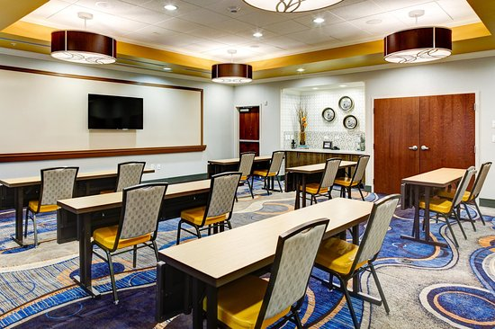 Hampton Inn & Suites Columbus