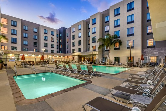 Homewood Suites by Hilton Anaheim Resort – Convention Center
