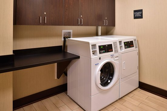 Manheim, PA: Guest Laundry Room