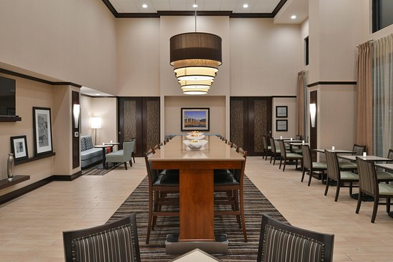 Manheim, PA: Lobby Dining Area