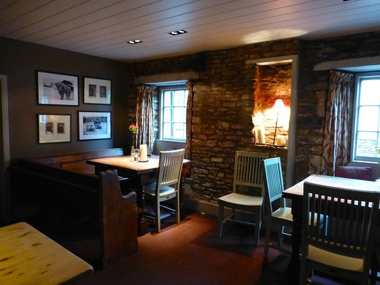 Grittleton, UK: Part of the dining area
