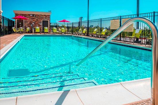 La Porte, TX: Outdoor Pool