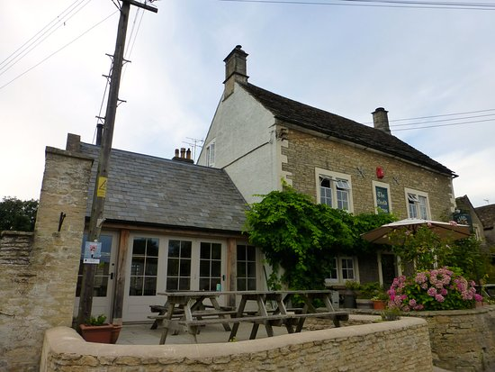 Grittleton, UK: Neeld Arms with extra dining area to side of original Inn