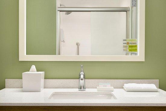 Hasbrouck Heights, NJ: Guest Bathroom 2