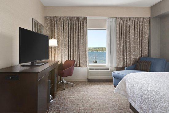 Penn Yan, Estado de Nueva York: King Guestroom, Sideview